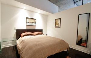 2 pièces de 65m² à Montréal chambre