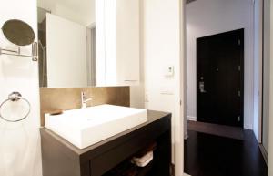 2 pièces de 65m² à Montréal salle d'eau