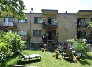 Immeuble 215 m² à Montréal jardin
