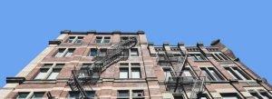 immeuble vu d'en bas investir immobilier canada